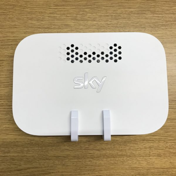 E.QMC2-W for Sky Q Booster front view
